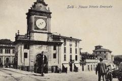 Salò. Torre dell'orologio da piazza Vittorio Emanuele